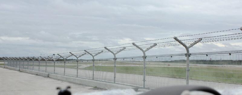 ▼下地島空港の周りをドライブ