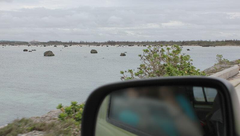 明和の大津波で運ばれてきた岩