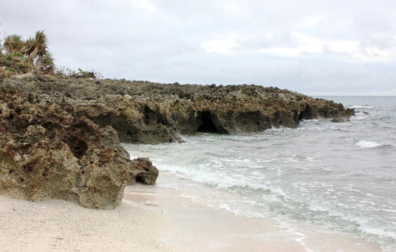 宮古島の日常風景写真-砂浜と海