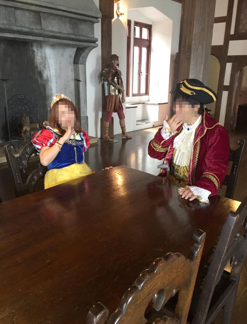 中世ドイツの食卓で記念写真