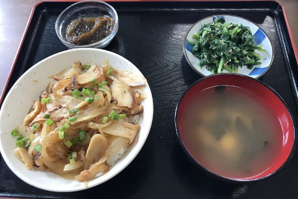おぷゆう食堂のかーきダコ丼