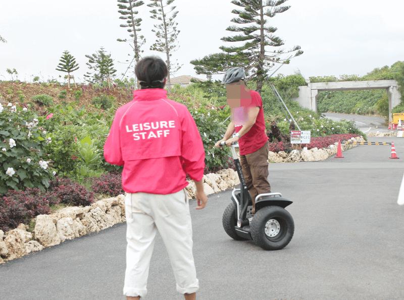 セグウェイの乗り方を教わる〜宮古島でセグウェイ体験