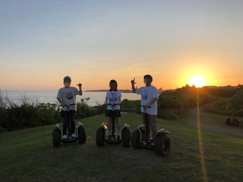 宮古島シギラリゾートでセグウェイで記念撮影〜夕日を背に