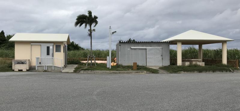 島尻マングローブの駐車場
