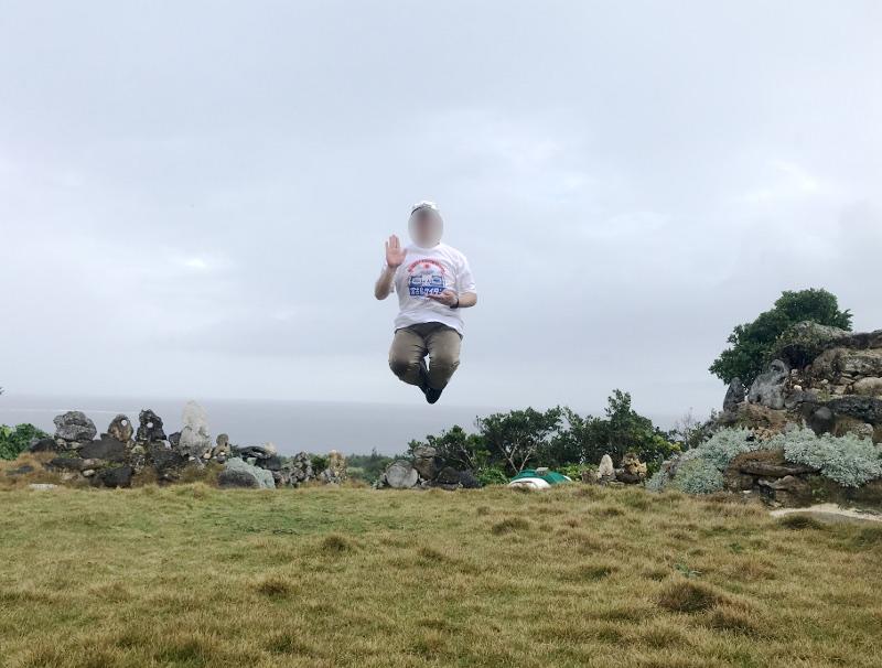 宮古島の天海山石庭で空中浮遊(2)