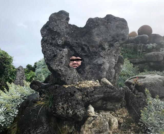 宮古島の天海山石庭で妖怪写真(2)