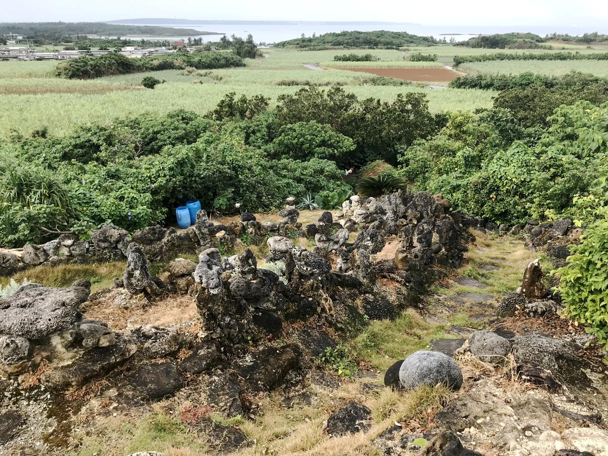 宮古島の天海山石庭(4)
