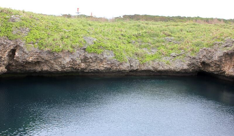 宮古島通り池の柵の反対側を撮ったところ