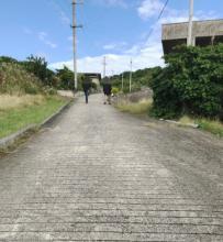大神島の遠見台へ向かう坂道
