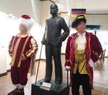 宮古島のドイツ村で昔の貴族衣装を体験
